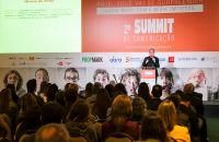 Presidente do Grupo Abril ressalta em Summit força da união entre impresso e digital