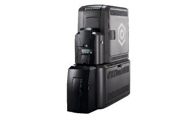 Akad apresenta impressora de retransferência Datacard CR805 CLM com módulo de laminação em linha