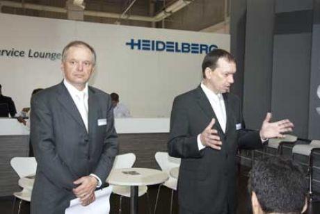 Benhard Schreier, presidente da Heidelberg, participa de coletiva na ExpoPrint